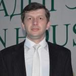 Рустам Хут